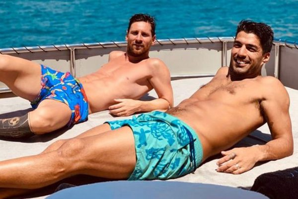 Messi and Suarez vacation in Ibiza