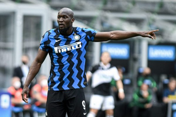 Inter Milan fans protest against over the sale of Lukaku.